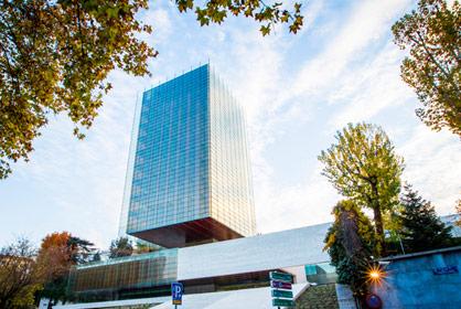Oficinas en alquiler servicios inmobiliarios mutua for Oficina mutua madrilena