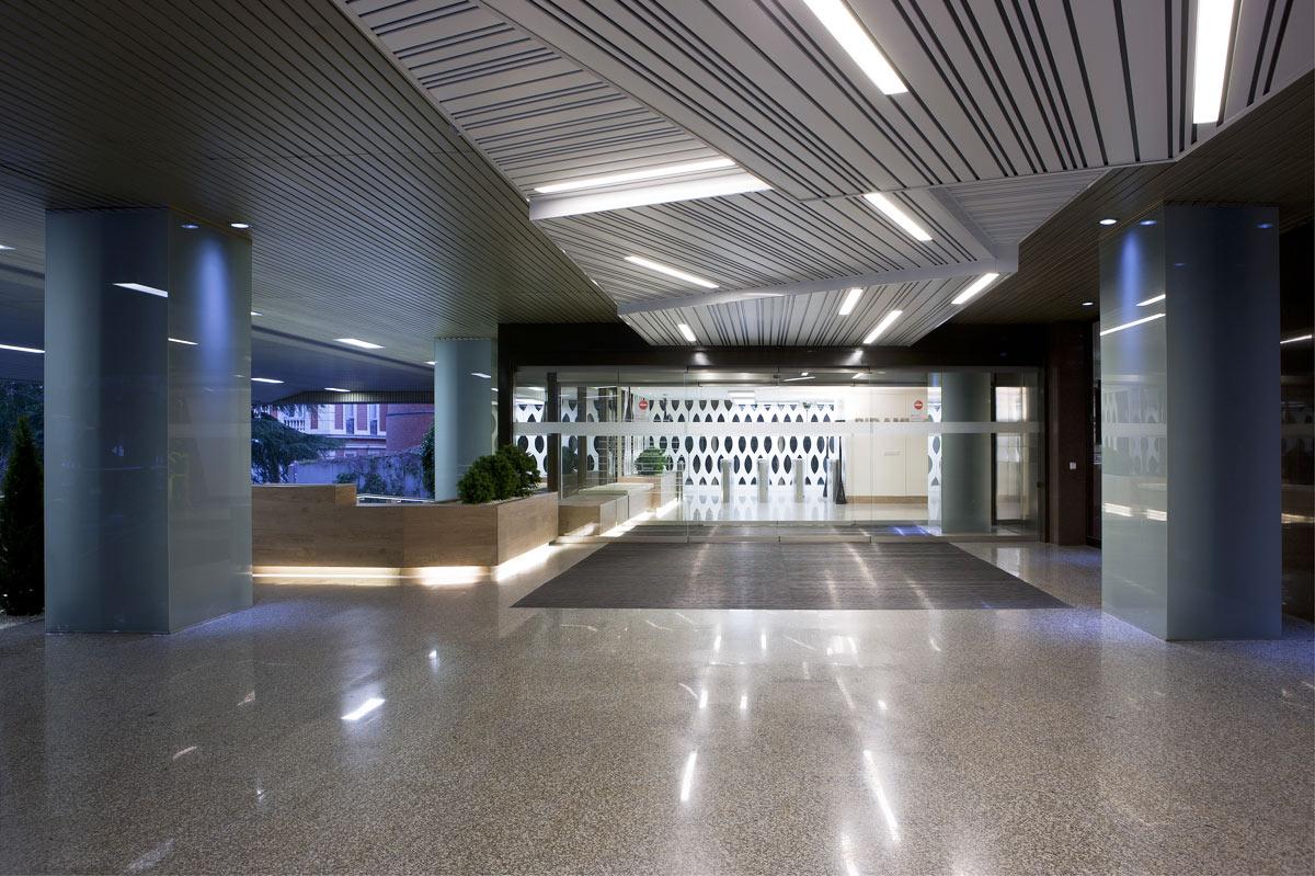 Castellana 31 edificio pir mide oficinas en alquiler mutua inmobiliaria - Oficinas de mutua madrilena ...